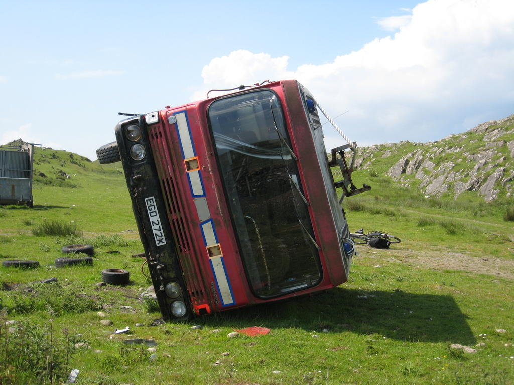 Why do all the western isles have so many dead vehicles littered about the place?